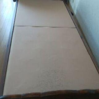 シングルベッドのフレーム