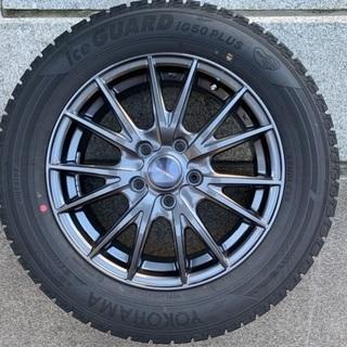 スタッドレスタイヤ4本 215/60R16 2016年製 マツダCX3