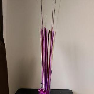 紫系インテリア(枝と造花)