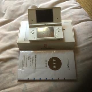 DS   本体 箱付き  ソフト×3