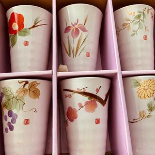 季節の花:焼物カップ6点:  椿 あやめ 萩 葡萄 桜 菊