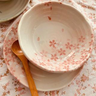 【決まりました】   宇野千代 桜和食器 4点と木製匙