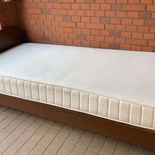 シングルベッド シンプル ブラウン