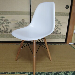 エア・リゾーム・インテリア(通販業者)から購入した椅子