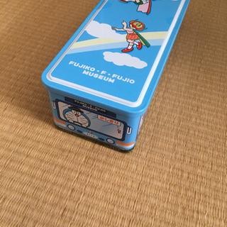 藤子不二雄ミュージアムのバス型お菓子缶