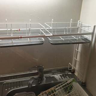 食器を洗って置く棚