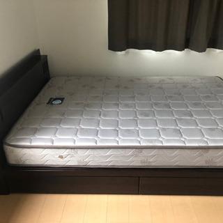 ダブルベッドとマットレス