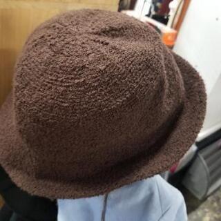 ブラウンの帽子 56cm
