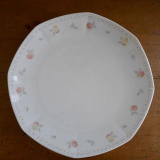 ノリタケ 中華皿 大皿 桃柄
