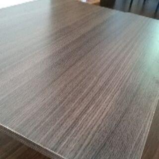 2年前ニトリで購入 80×60テーブル