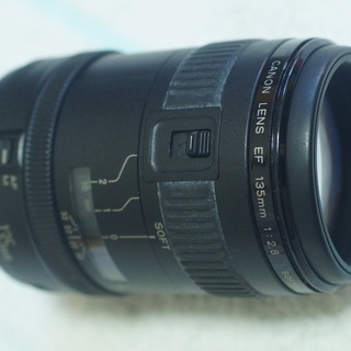 CANON EF135mm F2.8