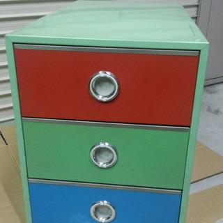 押入れなど用 カラー鉄鋼板製 3段チェスト おもちゃ入れなどに ...