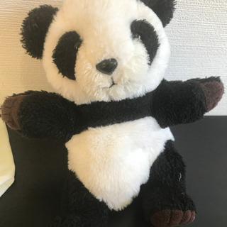 パンダの手にはめるぬいぐるみ