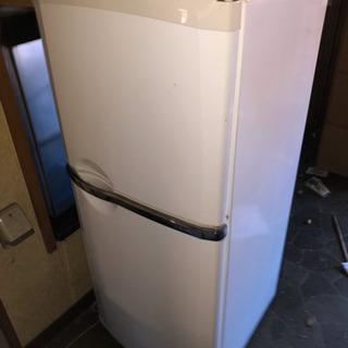 冷蔵庫、フリマ開催中、無人時は案内で!