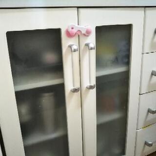 食器棚 ニトリ(白)取引中