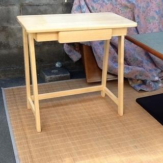 【二千円に】コンパクトで可愛い家具、机 KOEKI(弘益)のタイ...