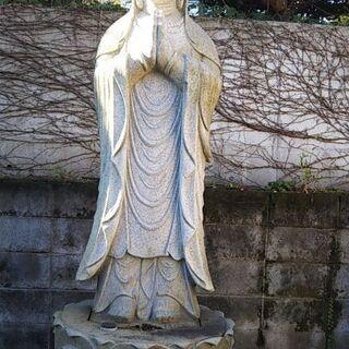 庭石、灯籠など日本庭園などにぴったり