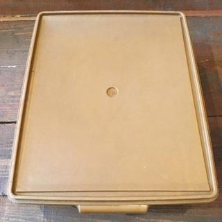 【受付中】 Tupperware タッパーウエア ブラウン 浅型