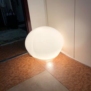 照明器具 ヒップの形のデザイン