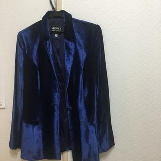 ヴェルサーチのワンピーススーツ