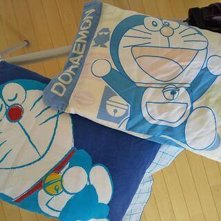 ★ドラえもんの枕★柄違い2個セット★