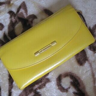 ★ UNGARO yellow 財布 ファスナー2か所 カード入...