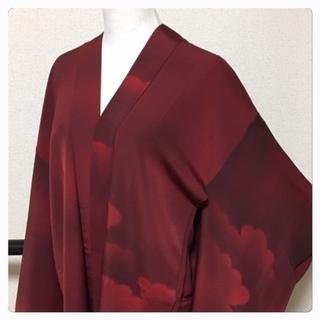 正絹 羽織 雲取り 濃い赤 身丈82 裄67 中古品