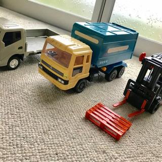 トラック 収集車 フォークリフト おもちゃ 働く車  3台 TO...