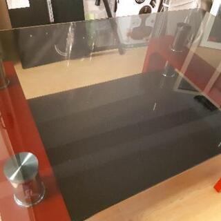 オシャレな赤色 強化ガラステーブル