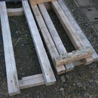 木製パレット?枕?