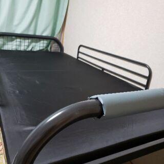鉄製ベッド