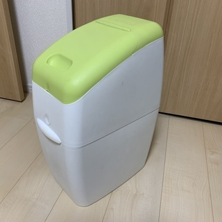 Aprica におわなくてポイ 消臭タイプ(おむつ用ゴミ箱)