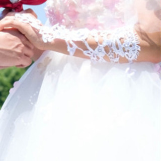 ①ウエディンググローブ②ウエディングドレス③パニエ