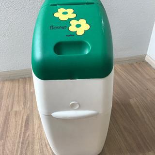 Aprica オムツ用ゴミ箱