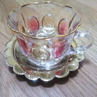 ガラスのティーカップ
