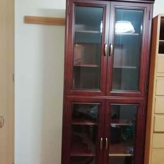 本棚です 75×39×197 引き出し付き (2段に分かれます)