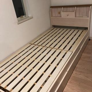 緊急募集❗️収納付きベッド (シングルベッド)