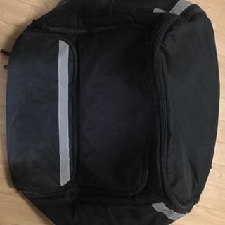 ウーバーイーツ 黒バッグ