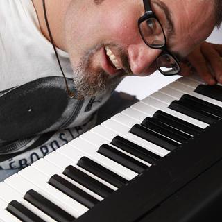 英語ボーカル歌唱指導・発音矯正・アメリカ人バイリンガルでプロピア...