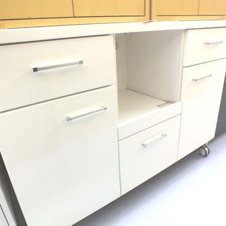 キャスター付き キッチンローボード 鏡面白 食器棚 ¥12,800-