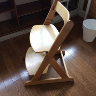 木製子供用椅子