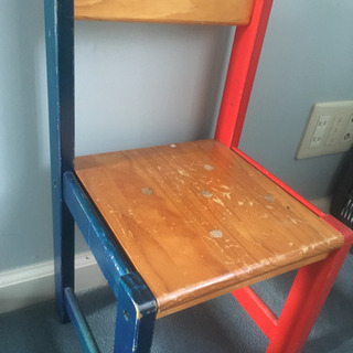 子供用カラフル椅子(2脚あります)