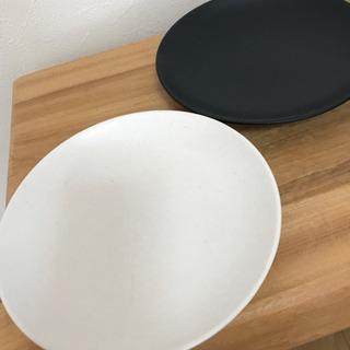ホワイト/ブラック お皿