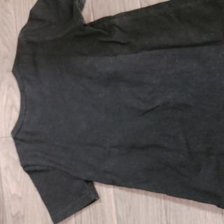 90サイズの黒半袖Tシャツ