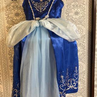 子供用 シンデレラのドレスとキラキラサンダル