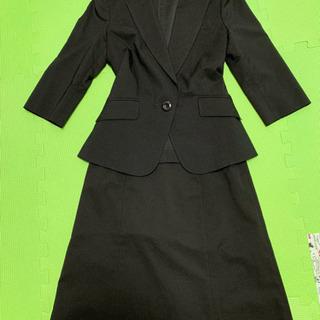 美品 ラインのキレイな七分袖スーツ ブラック