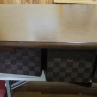 木目調テーブル3台