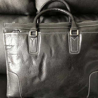 牛革製ビジネスバッグ