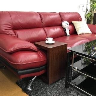 赤のソファを入荷致しました!SALE!!