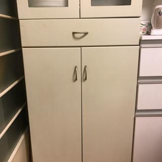 白い食器棚 大容量 取りに来ていただける方限定